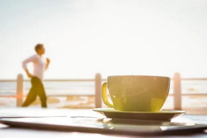 Ученые рассказали, что максимальным сжигание жира будет после полудня, если за 30 минут до упражнений выпить кофе