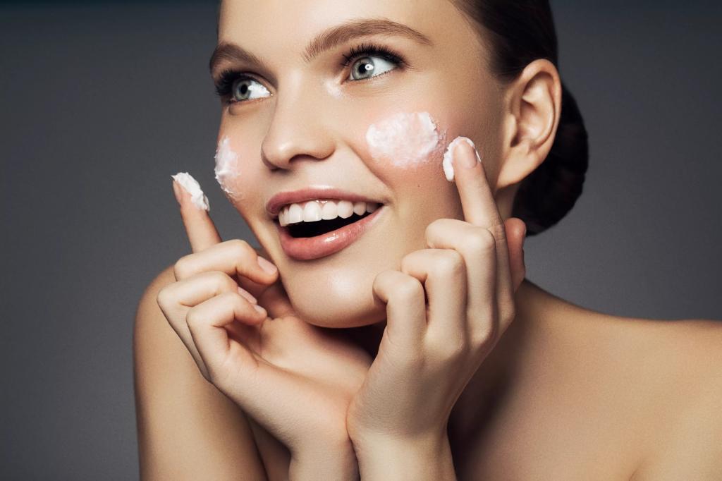 Минимализм в использовании косметики может сэкономить деньги, время и значительно оздоровить кожу
