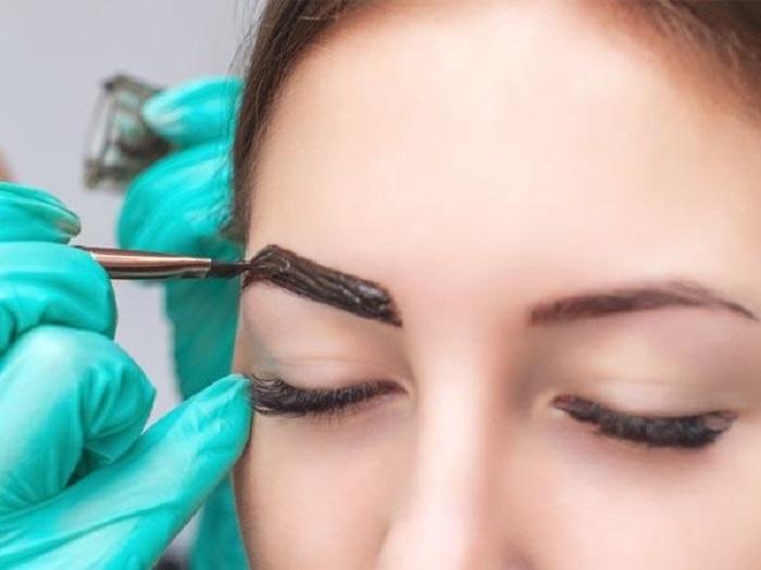 Одним походом к мастеру не обойтись: все, что нужно знать о перманентном макияже