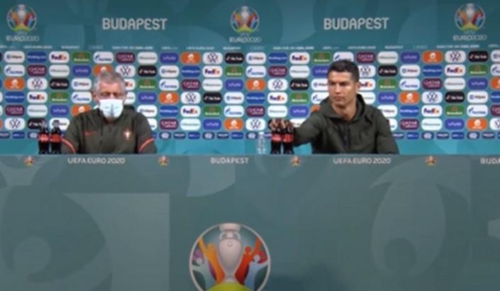 Криштиану Роналду на пресс-конференции убрал колу и предложил болельщикам пить воду: лайфхаки звезды, чтобы быть в форме