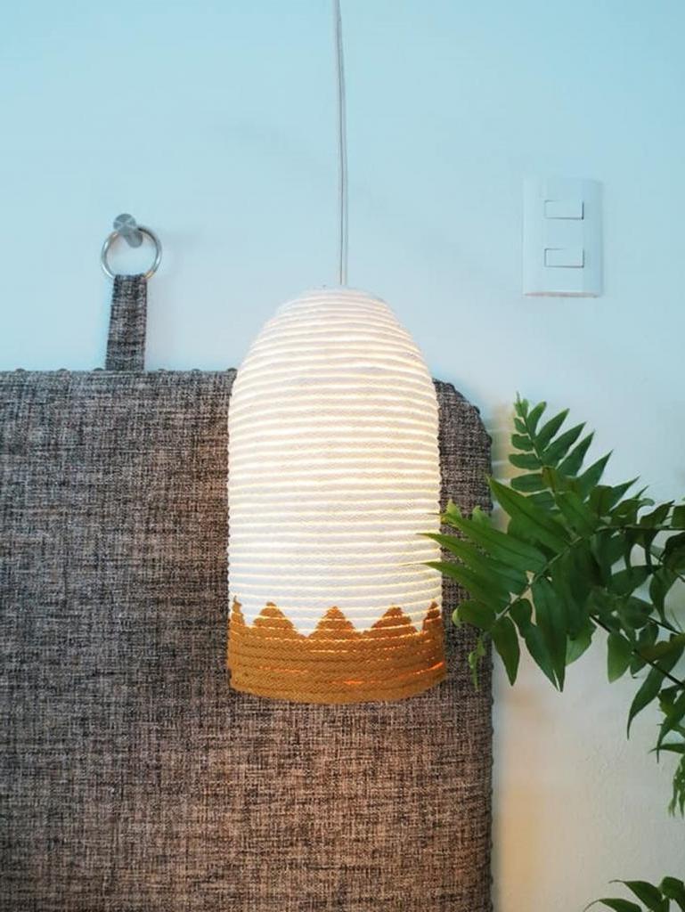 Как из обычной веревки сделать очень симпатичный абажур. Форму и размер можно делать разными, получается красиво