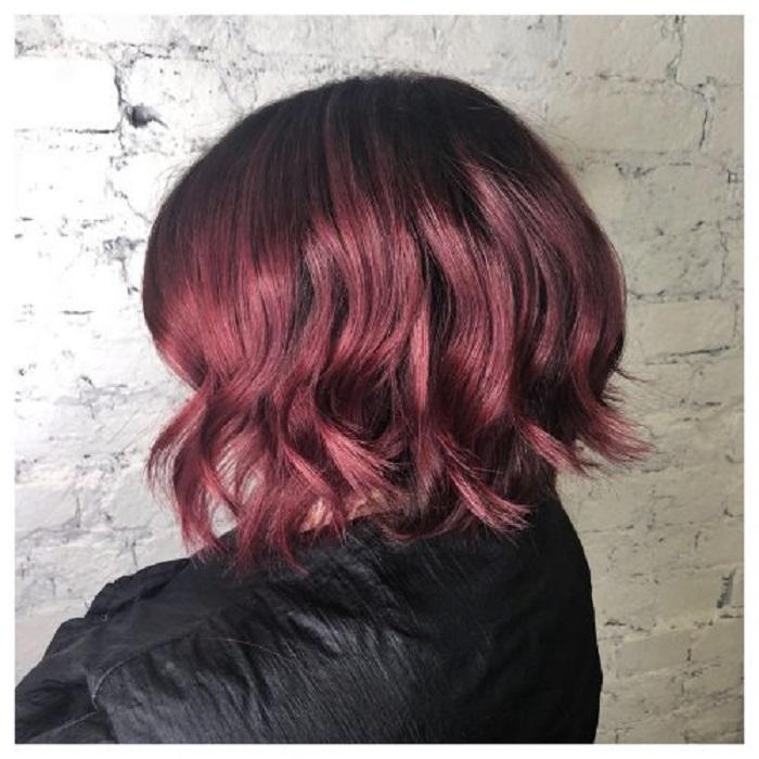 Красный — трендовый цвет в окрашивании волос 2021 года: несколько идей для воплощения