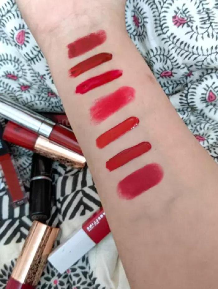 Неровный контур и нанесение в один слой: почему многие женщины наносят красную губную помаду неправильно