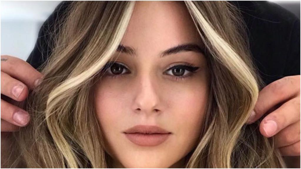 Мелирование   хорошо, а вот face framing лучше: эту технику окрашивания волос легко освоить самому
