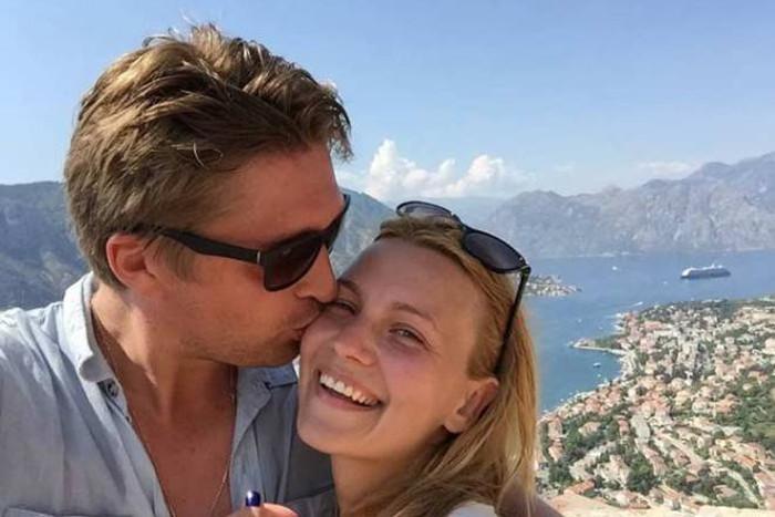 Я влюбился. Как выглядит жена Дмитрия Пчелы, с которой они вместе уже 11 лет
