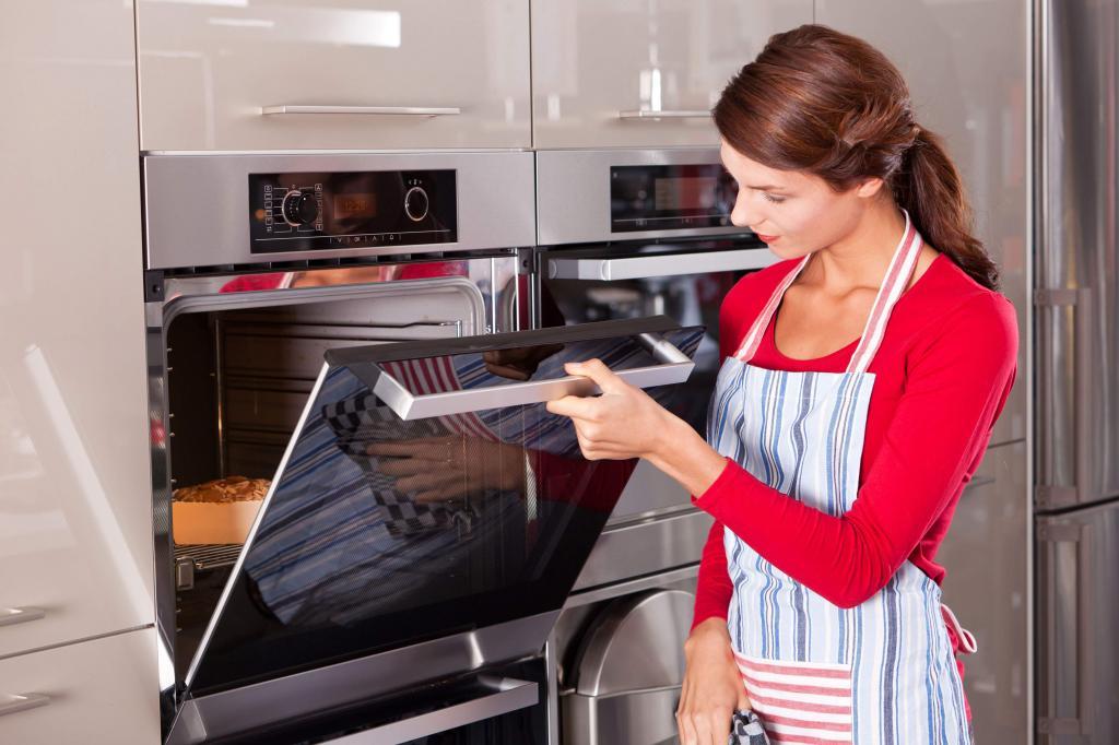 Как не допустить ошибок при выпечке бисквита: решение проблем