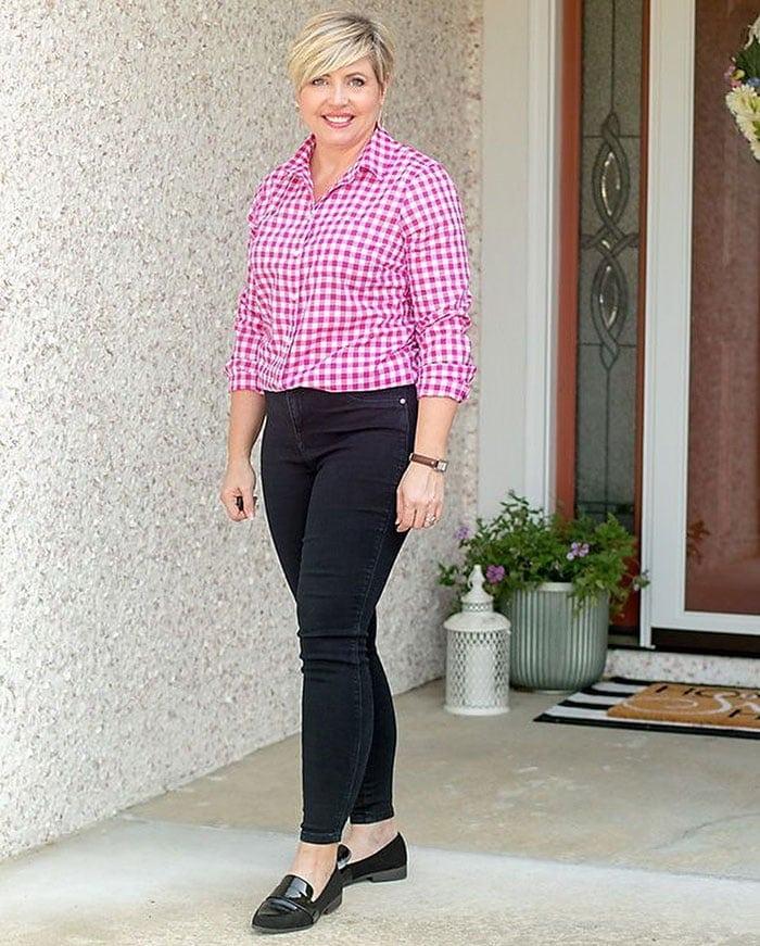 Свободные, сикни или клеш: с чем сочетать черные брюки женщине за 40