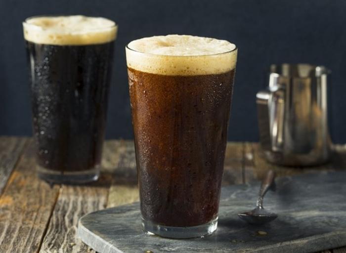 Больше бодрости и меньше вреда желудку: почему стоит продолжить пить холодный кофе, даже когда лето подойдет к концу