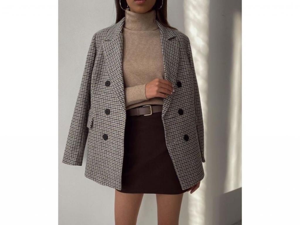 Уютно, тепло, стильно: 10 способов носить свитеры с высоким воротом осенью и не выглядеть скучно