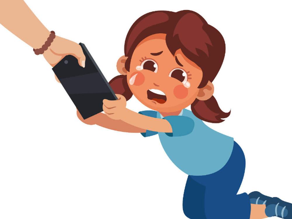 Не стоит забирать у ребенка смартфон: как непоследовательность действий родителей влияет на отношения в семье