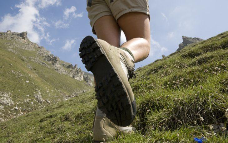 Когда ходьба полезнее, чем бег: эксперт рассказал о преимуществах движения по наклонным поверхностям