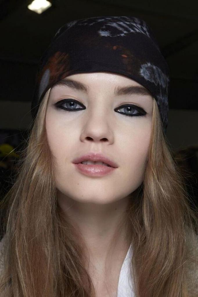 Как сделать простой, но эффектный макияж глаз: советы и варианты