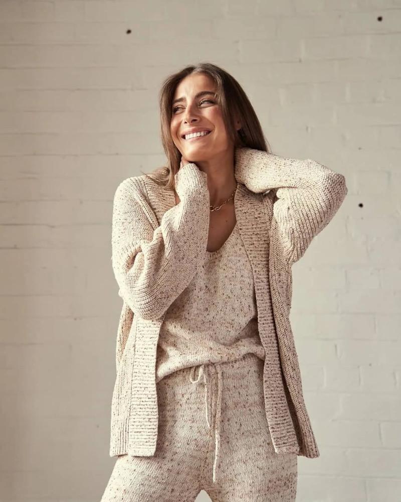 Маст-хэв осени-зимы и лучший наряд для шикарной женщины: как вписать в свой образ трендовые трикотажные комплекты