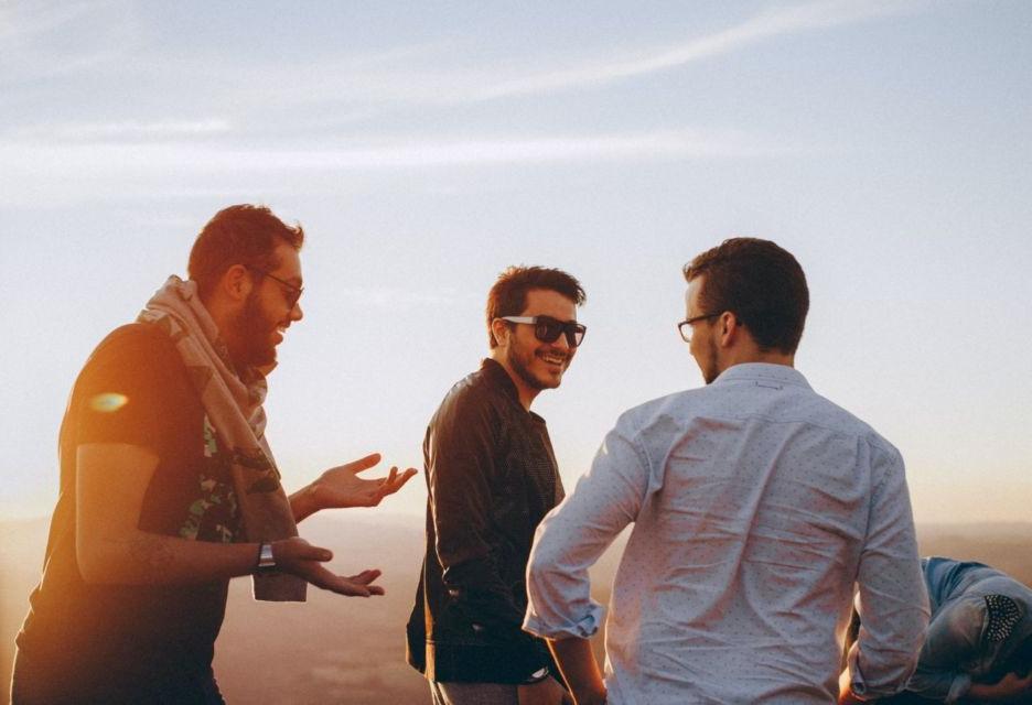 Язвительные комментарии друзей и другие причины, почему парни редко загружают фотографии своих подруг в социальные сети
