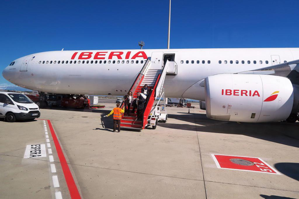 iberia airlines builds a batna case Indigo airlines - a case survey in international business strategy the right thing to make is besides the smart thing to make  iberia airlines builds a batna.