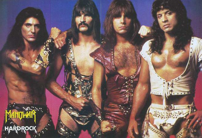 80 е года прошлого века выдались тяжелыми длякостюмеров рок музыкантов