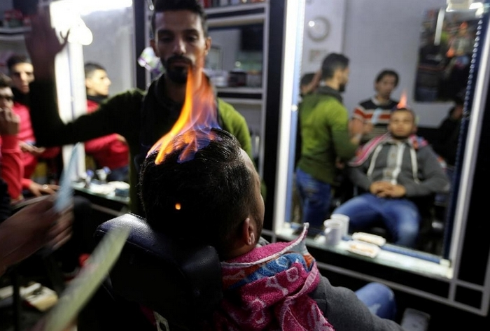Супер профи: три парикмахера, записаться к которым на стрижку решится не каждый