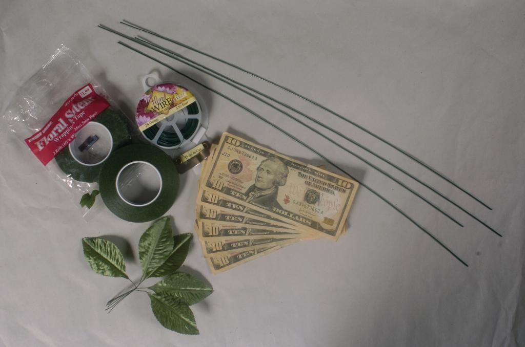 Сделать цветок из денег своими руками пошаговая инструкция фото 47