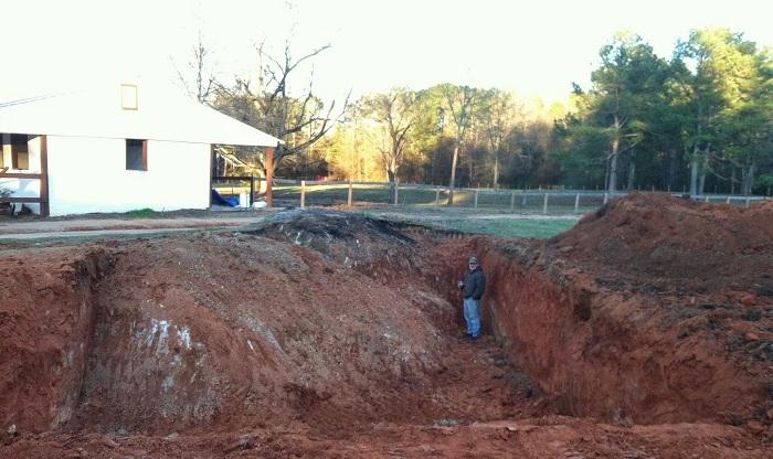 Сначала все подумали, что сосед строит бассейн, но он замахнулся на кое что покруче