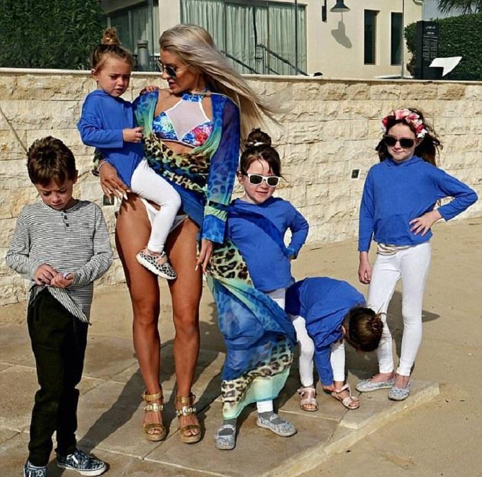 Однажды 100 килограммовая мать 5 детей не смогла смотреть на себя в зеркало. Взгляни на эту красотку сейчас!