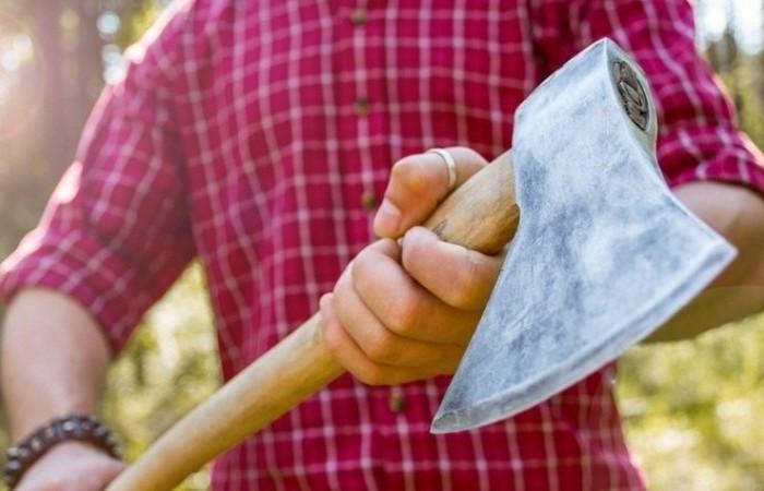 Как капитально насадить лезвие на деревянное топорище, чтобы было на века