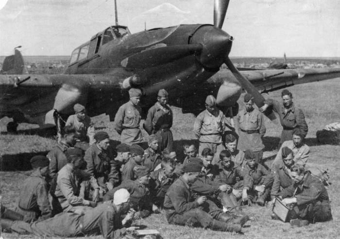 Каким на самом деле был легендарный штурмовик Ил-2 и почему СССР терял так много этих самолетов