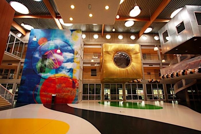 В Нидерландах появилась школа, в которой нет ни учебной программы, ни классов, ни учителей