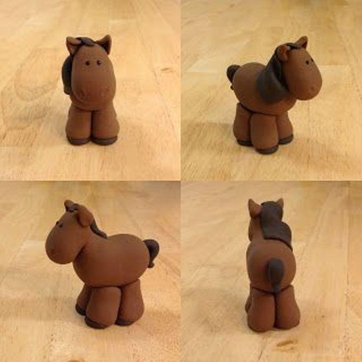 Как легко слепить лошадь из пластилина?