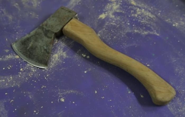 Народный мастер: как подарить старому топору вторую жизнь