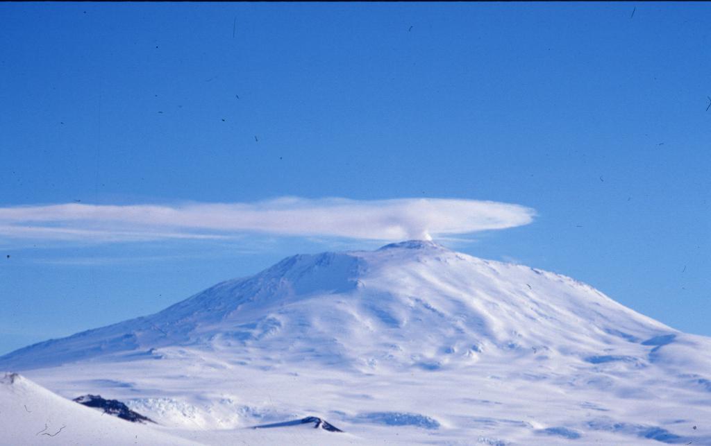 Вулкан Эребус. Координаты, высота, интересные особенности
