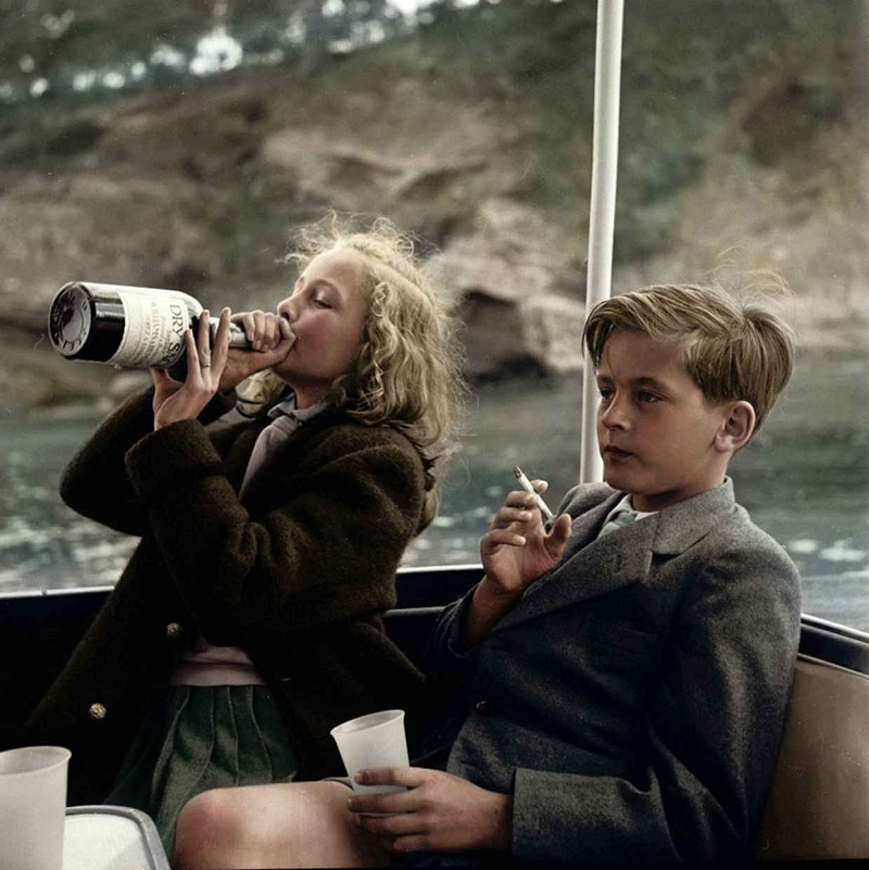 Ты 100 раз видел фото курящего мальчика и пьющей девочки, но так и не знал, кто на нём изображен...