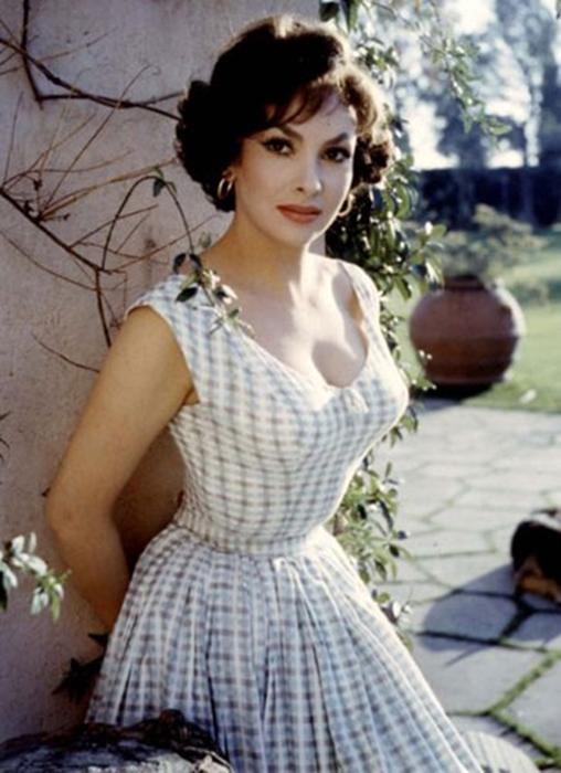 Хотите увидеть самую красивую женщину 1960 х? Встречайте, Джина Лоллобриджида по прозвищу Большой Бюст!