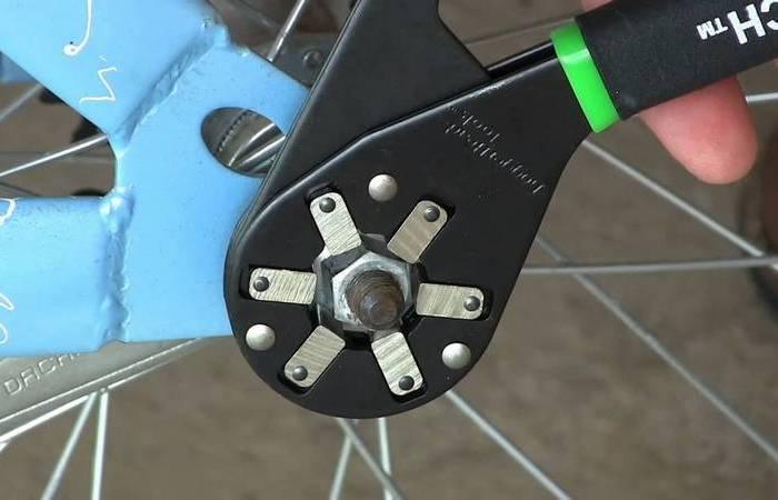 Вместо ящика инструментов: универсальный ключ, который заменит 14 ключей