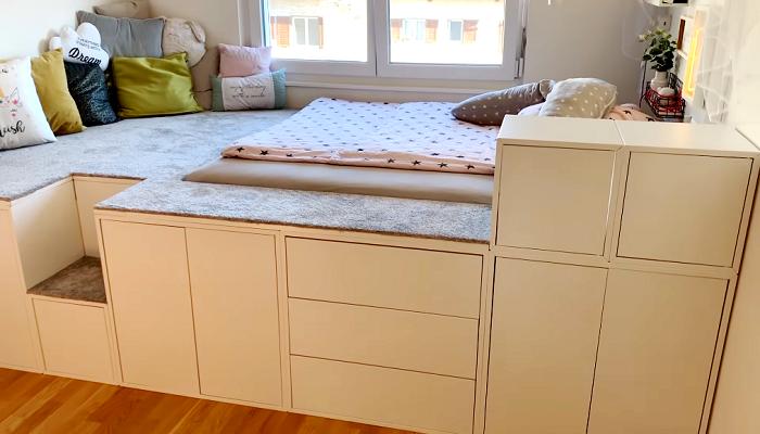 Замечательная идея быстрого создания большой кровати с помощью мебельных модулей IKEA