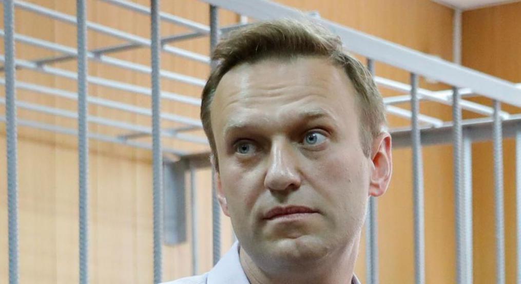 Политик Алексей Навальный: фото, биография, семья, карьера и интересные факты