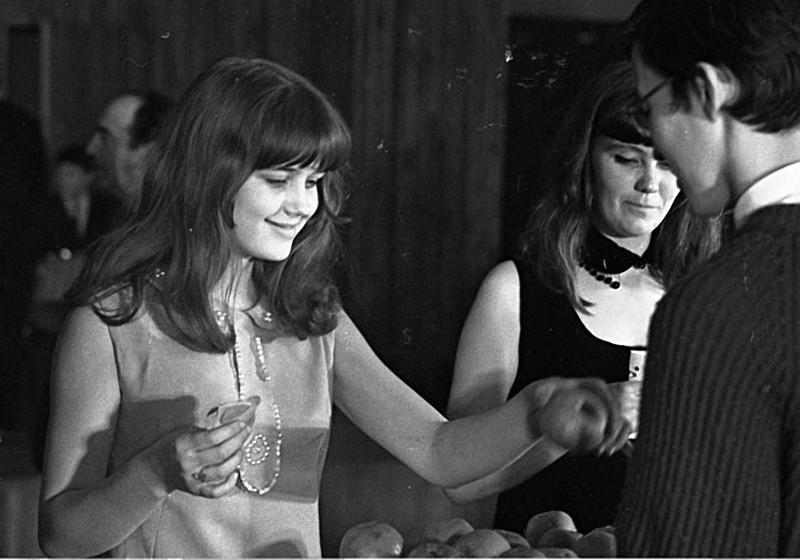 Десятикласница Ирина Алфёрова   участница советского конкурса красоты в1968 году