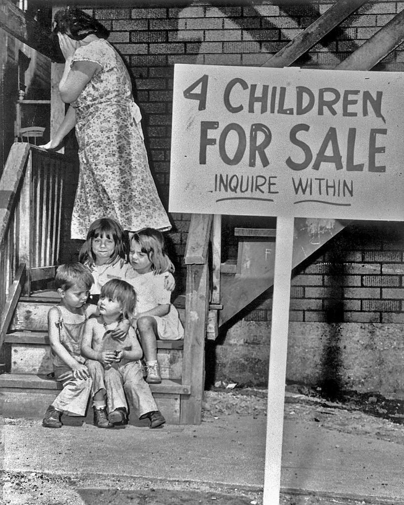 Каково это – быть проданными собственной матерью? Эта история потрясла весь мир!
