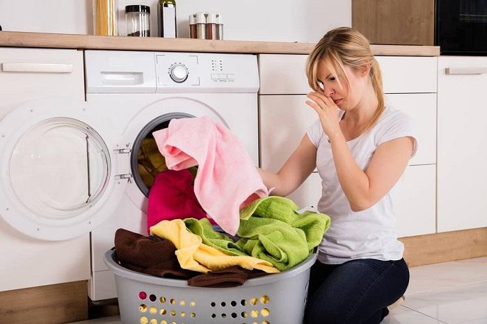 8 ошибок во время стирки, которых стоит избегать, чтобы не испортить полотенца