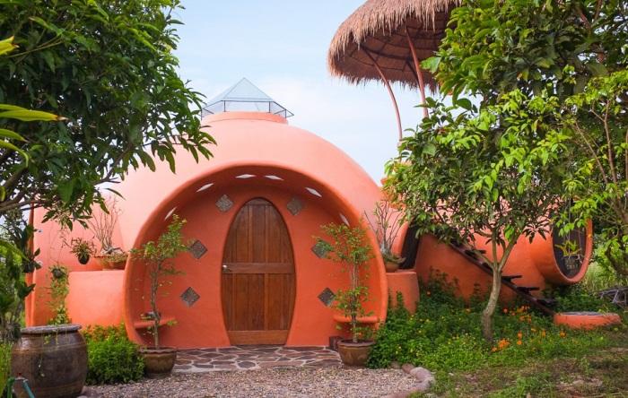 Купольный дом, который музыкант умудрился построить за полтора месяца и 9 тыс. дол.