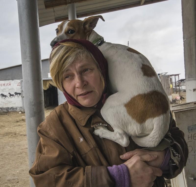«Собака   все, чтоуменя есть». Беженка отказалась открова ради пса