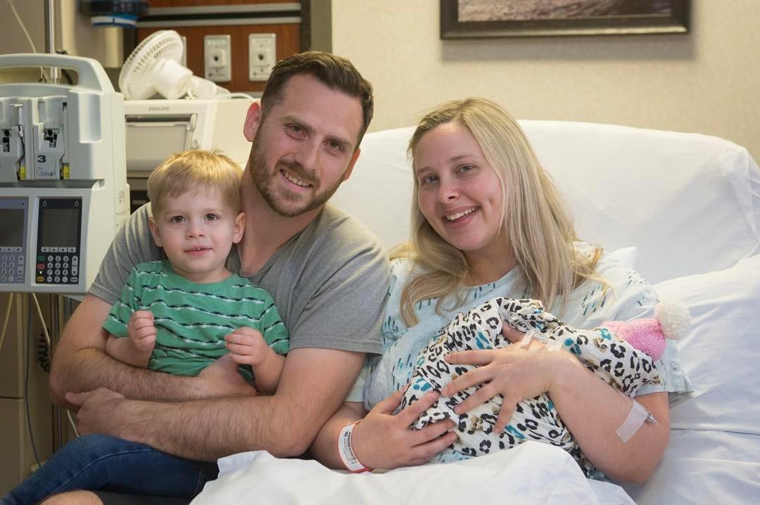 """""""Мы попрощались с малышкой сразу же после ее рождения"""". Мать выносила ребенка со смертельной болезнью, чтобы пожертвовать его органы"""