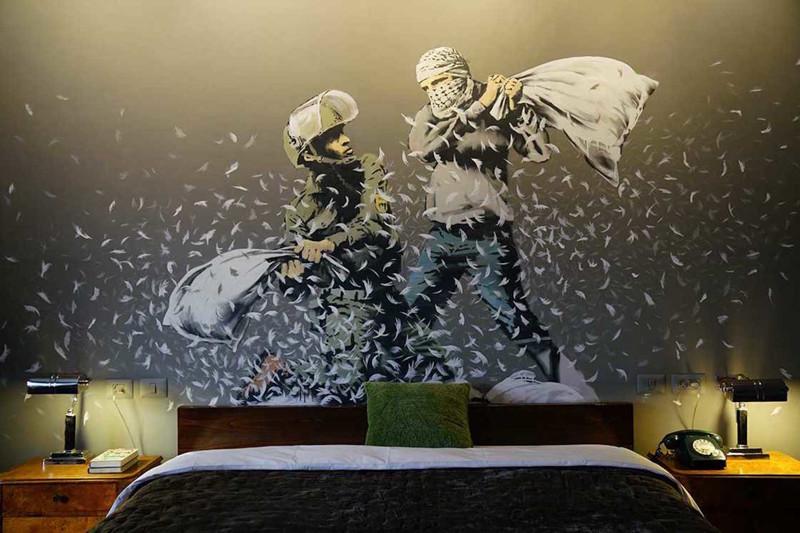 Бэнкси открыл отель с худшим вмире видом изокна