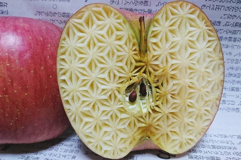 Замысловатый фруктовый карвинг