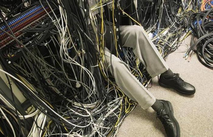 Надоел бардак: 2 простых совета, как обуздать компьютерные провода