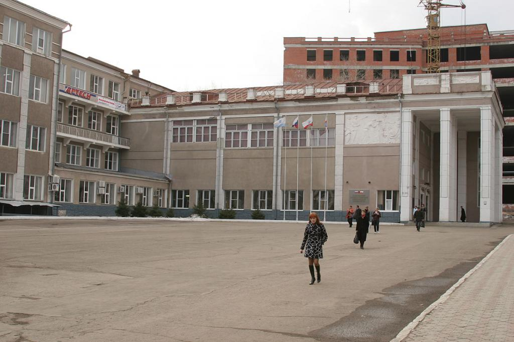 Вузы Саратова: список, проходные баллы, бюджетные места