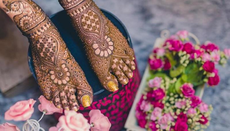 Этисвадебные татуировки индийских девушек   настоящие произведения искусства!