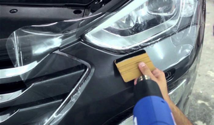 Не от хорошей жизни: зачем европейцы клеят скотч на свои автомобили