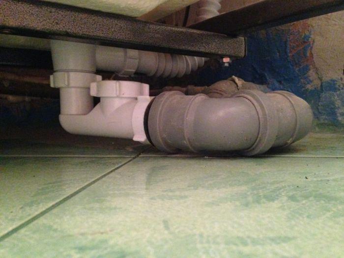 Дельные советы, как добиться того, чтобы в квартире не пахло канализацией