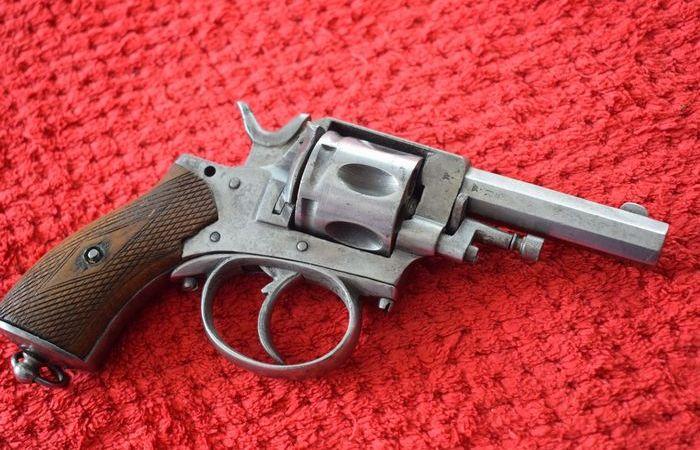 Револьвер «Бульдог»: любимое оружие политических душегубов и революционеров
