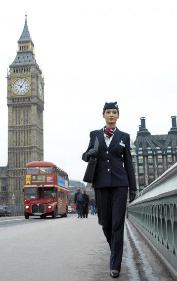 Как одеваются стюардессы разных авиакомпаний со всего мира